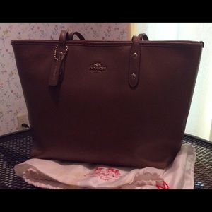COACH Tote with dust bag